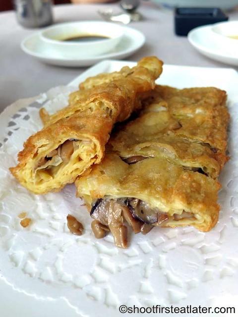 crispy beancurd skin roll HK$65
