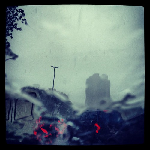 Bacen, na chuva, na rua, pela janela do carro... (Quase submerso!)