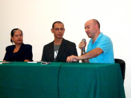 """Presentación del libro """"Antología de las letras vallegrandinas"""", del escritor boliviano Edson Hurtado."""