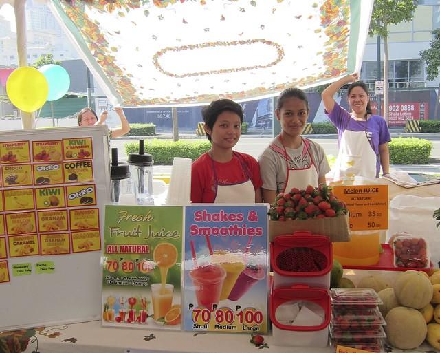 Baguio strawberry smoothies, fresh fruit shakes @ Morning Mercato
