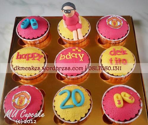 DKMCakes, kue ulang tahun jember, pesan blackforest jember, pesan cake jember, pesan cupcake jember, MU Cupcake, manchester united cupcake