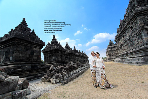 FOTO PRE WEDDING OUTDOOR PHOTO AT YOGYAKARTA by POETRAFOTO - Fotografer Yogyakarta Indonesia