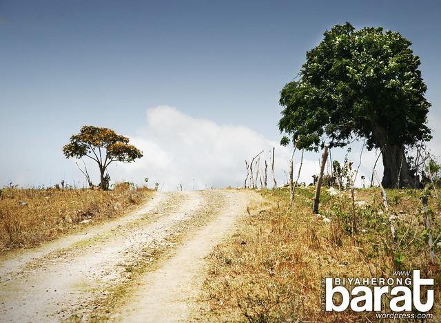 unpaved road in pagbilao quezon