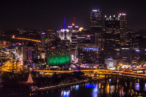Pittsburgh Skyline, with Point Place State Park