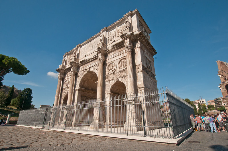 ColosseumWalksOfItaly-5