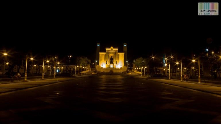 เดินเล่นกลางคืน สะพานพระพุทธฯ comzine 02