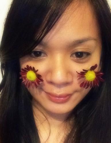red chrysanthemumseyesopen