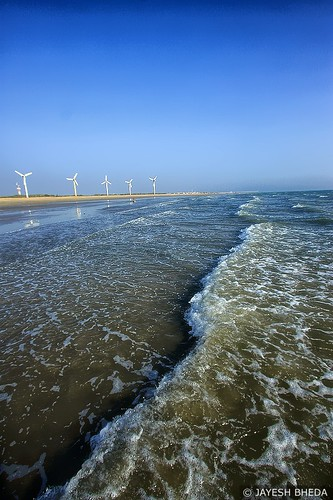 Windfarm beach, Mandvi, Kutch, Gujarat by Jayesh Bheda