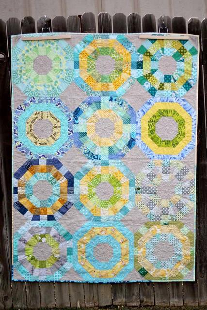 Octagonal Orbs bee quilt