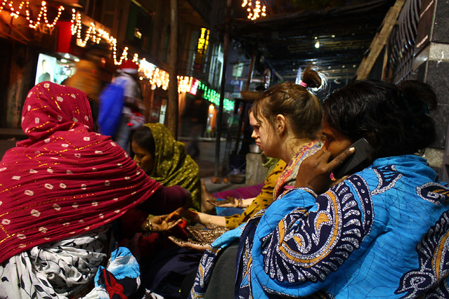Henna artists on the streets of Kolkata