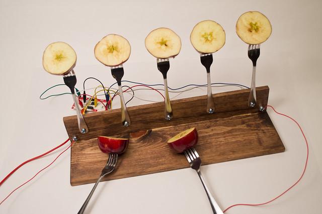 Makey Makey Apple Piano