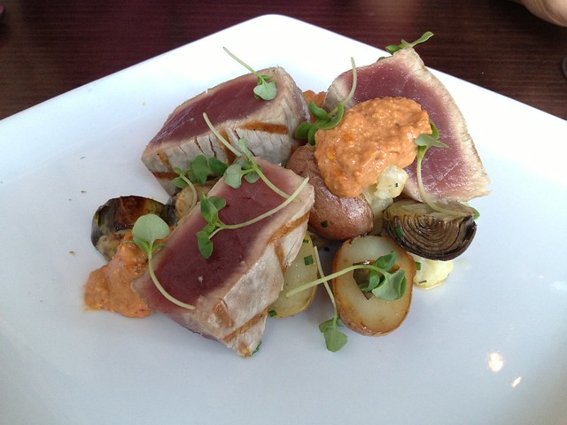 Rare grilled ahi tuna - Lot 7