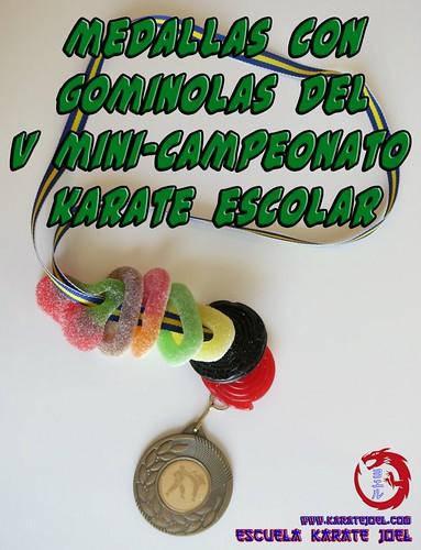 Medallas con gominolas del V MiniCampeonato Karate Escolar (2012)