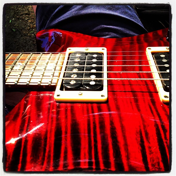 Elle prend bien le soleil ma Custom 24 10-top Black Cherry #prs #guitarporn