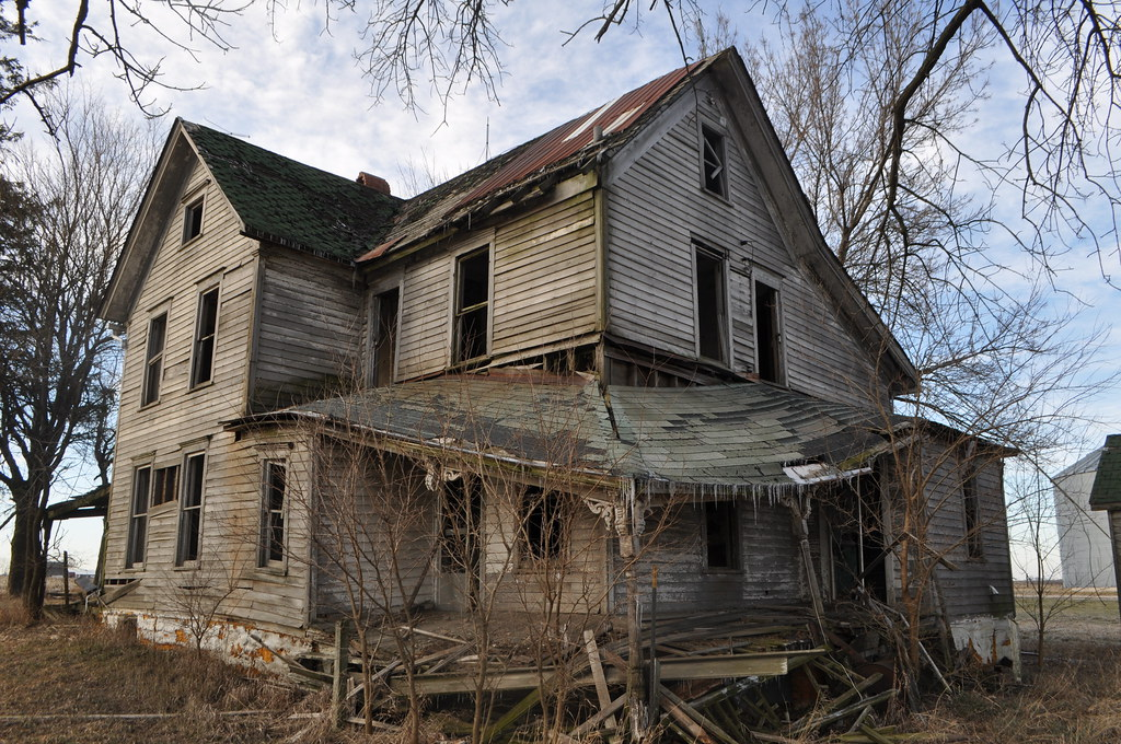 abandoned house central illinois