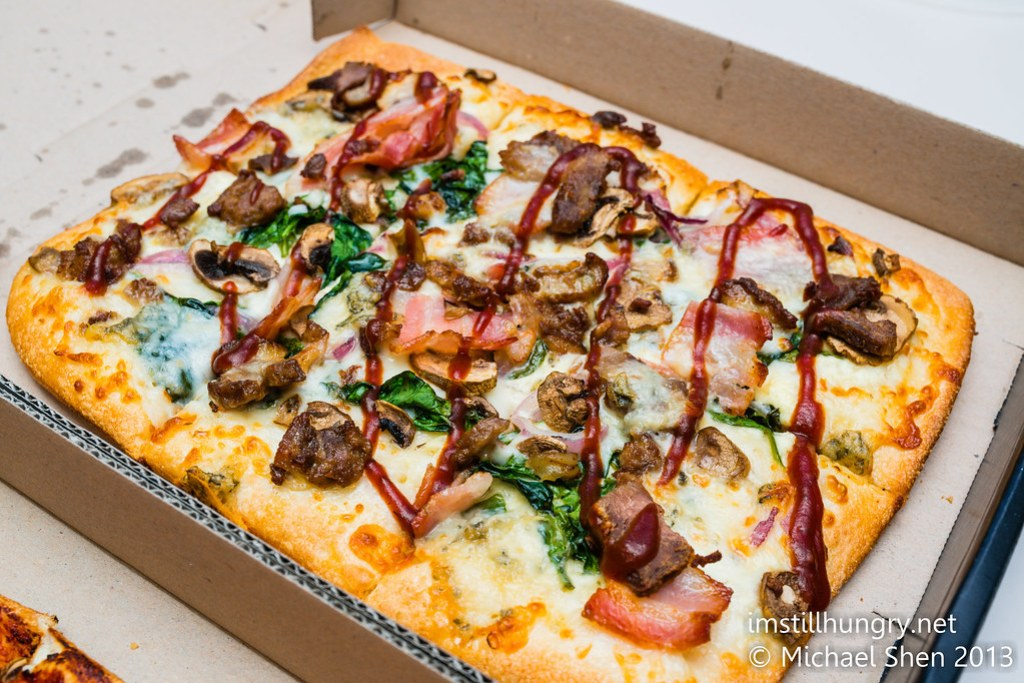 Domino's Chef's Best Pizza - BBQ Duck & Blue Cheese w/BBQ Sauce