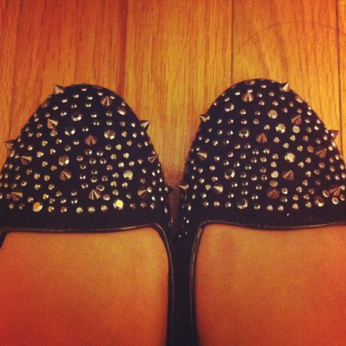 Ah...love the stud detailing. Too bad they hurt #aldo#khabou#flats