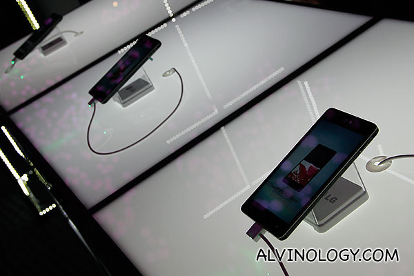 Optimus G smartphones for us to play with and experience ourselves