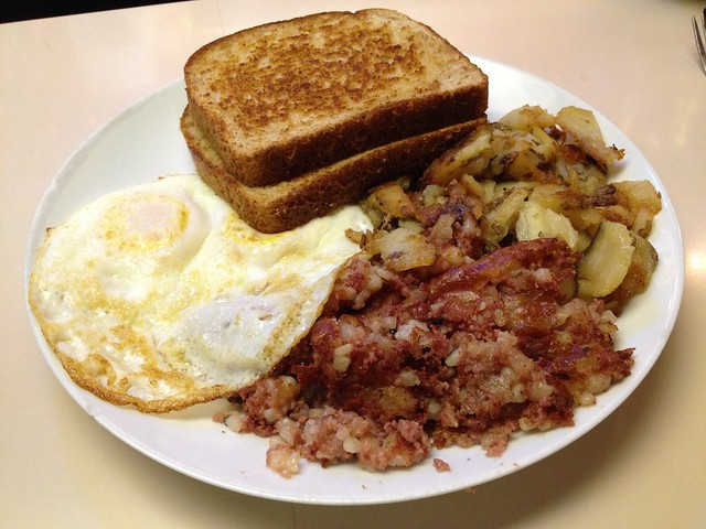 Corned beef hash - It's Tops Coffee Shop