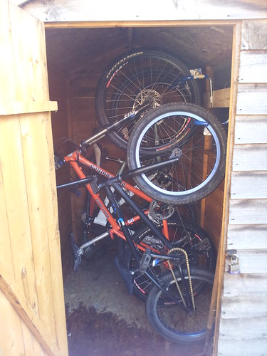 Kids bike filing system! by www.sussex-mtb.com