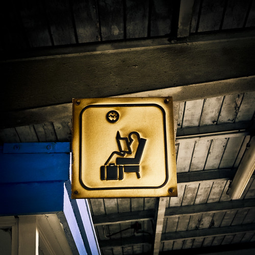 The Reading Corner (Coin Lecture) - Gare de Bruxelles-Midi, Belgique - Photo : Gilderic