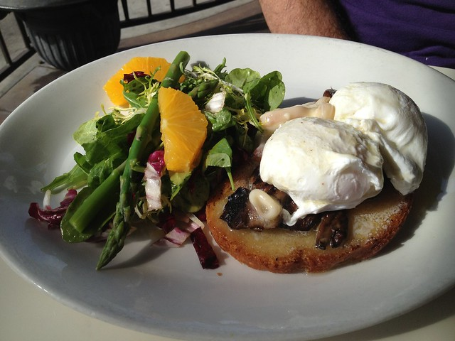 Poached eggs with wild mushrooms - Cafe Chloe