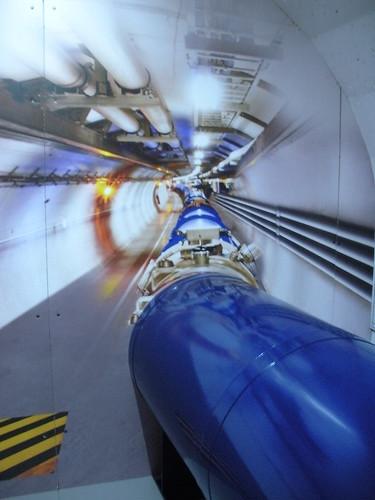 Modail den LHC, Pàrlamaid na h-Alba