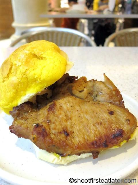 Cafe Tai Lei Loi Kei Macau- pork chop pineapple bun HK$36-001