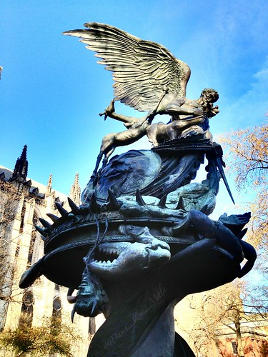 The Peace Fountain by damn_que_mala