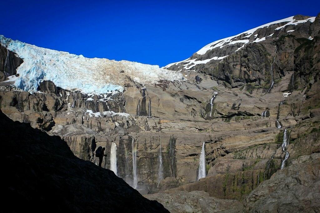 Glaciar Frias, tumbling down from massive, extinct volcano Cerro Tronador (3491m), PN Nahuel Huapi, Argentine Patagonia