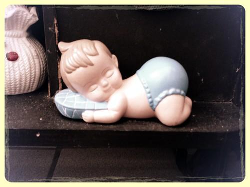 Niño durmiendo by Charmaine Vazquez