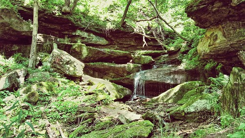 Devil's Den Waterfall, WV. Copyright Jen Baker/Liberty Images; all rights reserved