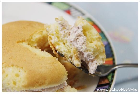 [分享]亞尼克菓子工房.北海道泡芙蛋糕~新口味草莓起司(文末送禮盒) @VIVIYU小世界