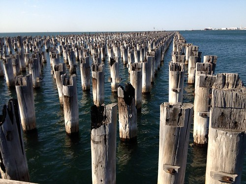 Princes Pier piles aucourantnow