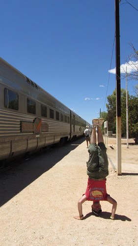 18. indian pacific, cook, headstand