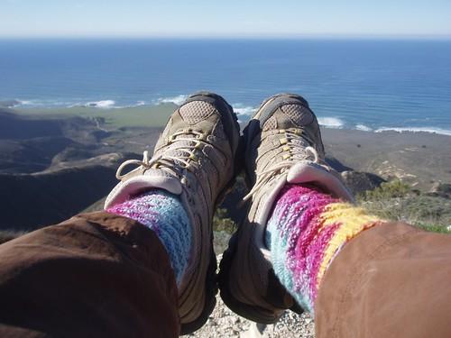 Socks_2013_01_04_Mamas-monkey-socks-in-action
