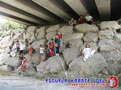 Excursiones al campo debajo del puente