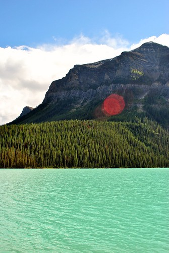 Lake Louise by knitahedron