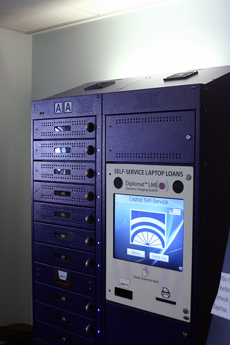 Laptop loaning machine