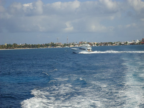 Al fondo Isla Mujeres