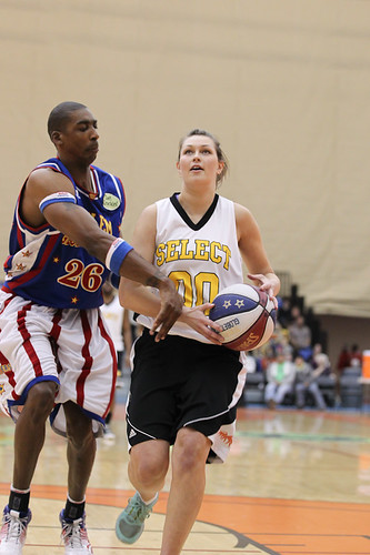 Cheer Squad and Women's Basketball Alum Join Globetrotters ...