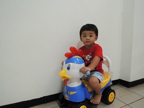 Sementara Eon pake Motor Bebek yah :) by adi pratama 001