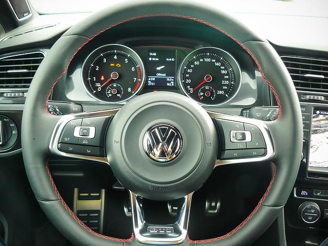 VW Golf VII GTI Performance