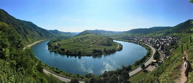 panoramic view over the Mosel