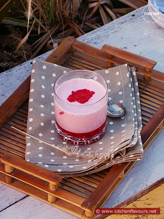 Eggless Strawberry Mousse