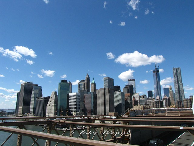 New York skylines shot from Brooklyn Bridge