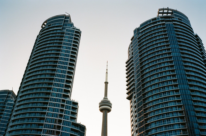 LM6_R001_cn_tower