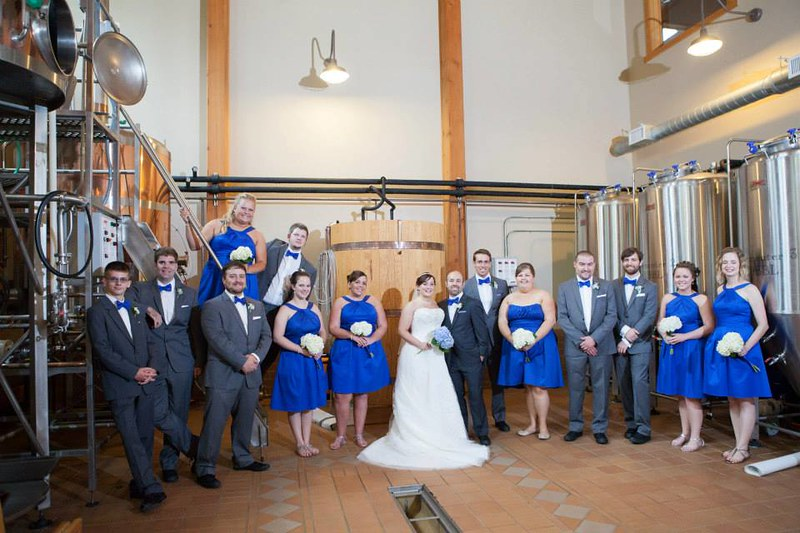 Doctor Who 8-bit wedding via @offbeatbride