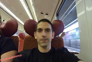 P1060545 Como Mickie Mouse En el Limited express Sonic (Fukuoka-Beppu) 13-07-2010