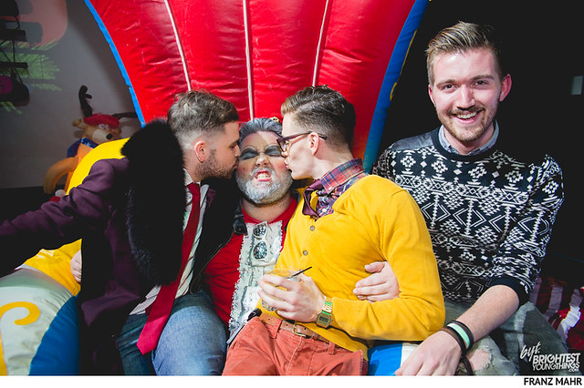 homo for the holidays-216